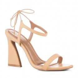 sandales à talons design...